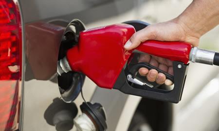 Pagar gasolina con tarjeta